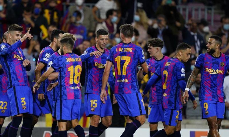 Afbeelding: Barça grijpt laatste CL-strohalm, nieuwe dreun voor Van Bommel