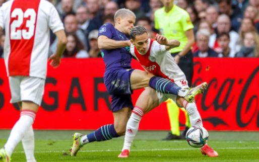 LIVE: Ajax scoort er ook in de topper tegen PSV op los (gesloten)