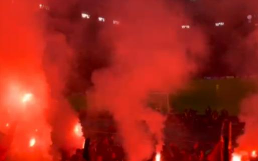 Ajax verslaat PSV: supporters zetten Johan Cruijff Arena in vuur en vlam