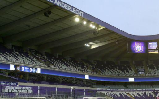 Anderlecht stelt derde shirt voor met Refaelov en Zirkzee: 'A touch of class'