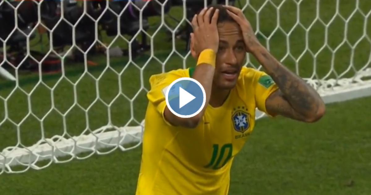 Kleurplaten Belgisch Voetbal.Neymar Kan Ogen Niet Geloven Geen Strafschop Na Duw In