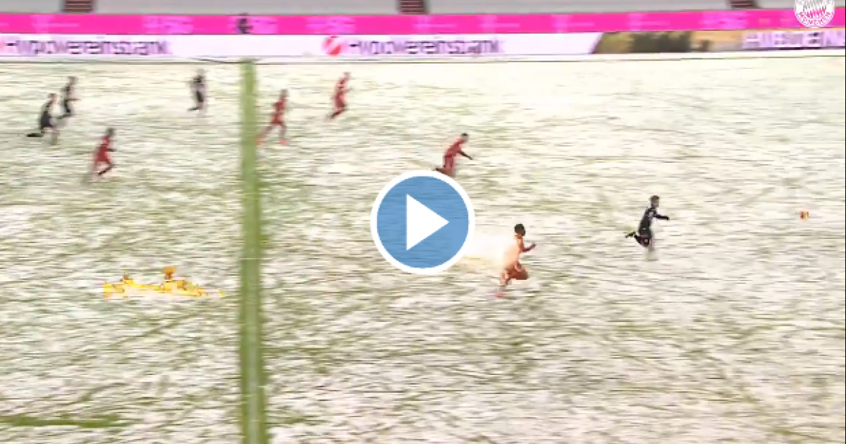 Ritsu Doan heeft geen schijn van kans: ongelooflijke 'sneeuwsprint' van Davies - VoetbalPrimeur.nl
