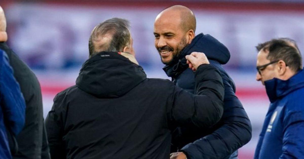 LIVE-discussie: AZ-coach Jansen wijst Stengs-vervanger aan tegen VVV - VoetbalPrimeur.nl