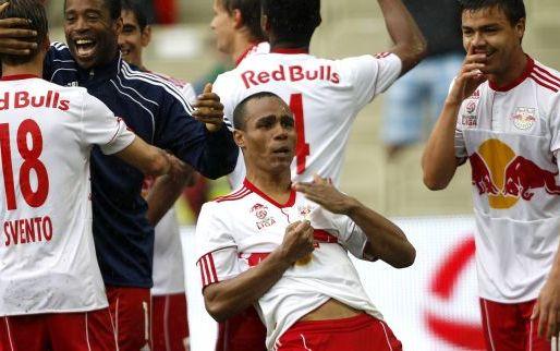 Afbeelding: Voormalig Ajacied en Feyenoorder duikt op in geboorteland en gaat voor titel