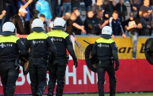 Afbeelding: Bizarre beelden: Feyenoord- en Nancy-hooligans houden 'freefight'