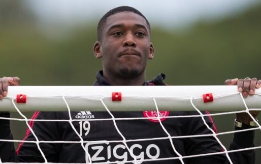 Afbeelding: Ajax-flop Sanogo 'from hero to zero':