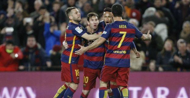 Messi leidt Barcelona met hattrick naar historische overwinning in Spanje