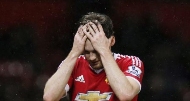 Gerucht uit tabloid: Engelse topclub wil Blind wegkapen bij Mourinho en United