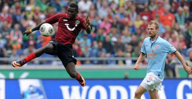 Gewilde Diouf heeft laatste wedstrijd voor Hannover gespeeld