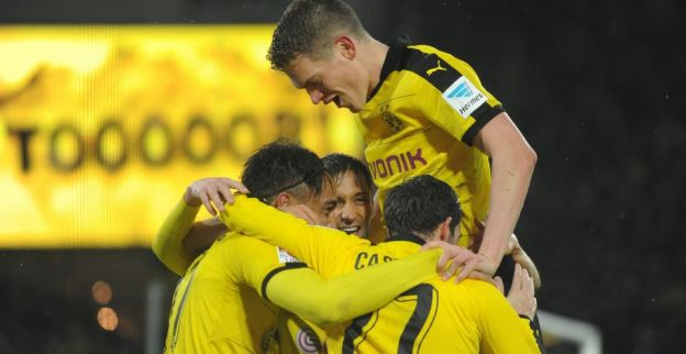 Dortmund slaat spijkers met koppen en haalt Europees kampioen uit Spanje op