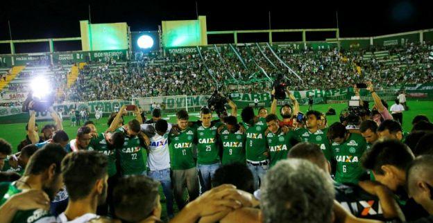 Onvoorstelbare beelden Medellin en Chapeco: meer dan 150.000 mensen rouwen