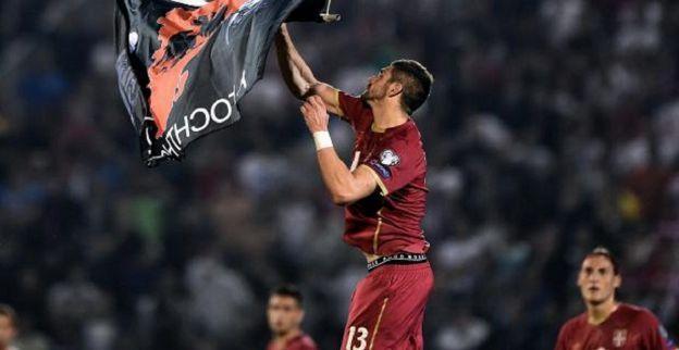 Opnieuw drone met Albanese vlag opgedoken bij voetbalwedstrijd