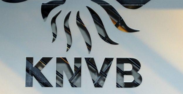 KNVB ziet 'whisky-reclame' en deelt zware straf uit aan oudste voetbalclub