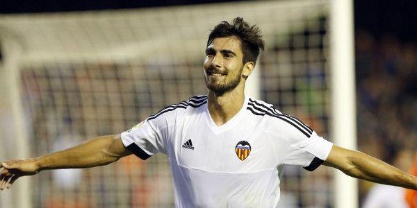 'Van Gaal en United schakelen snel door en kloppen aan voor Valencia-ster'