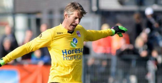 Van der Sar maakt indruk bij Noordwijk: 'Als dat blijkt, gaan we met hem om tafel'
