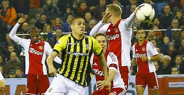 Trillende onderlip na zege op Ajax: Dit is mijn moment, ik kan wel janken