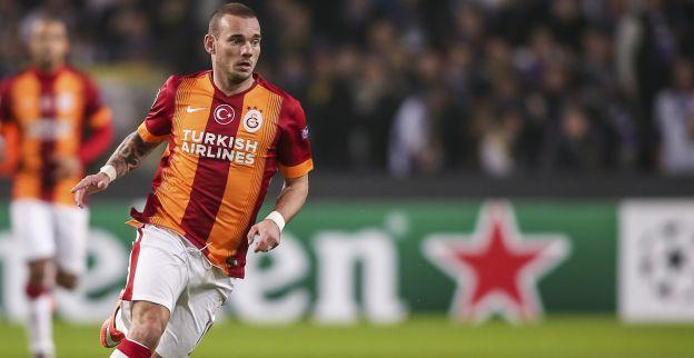 Afbeelding: Stoom komt uit de oren van Sneijder na wissel; blamage Galatasaray volgt