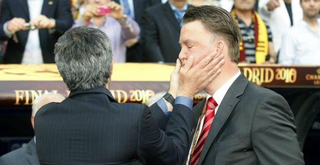 'Mourinho krijgt belofte van United, maar is afhankelijk van Van Gaal'