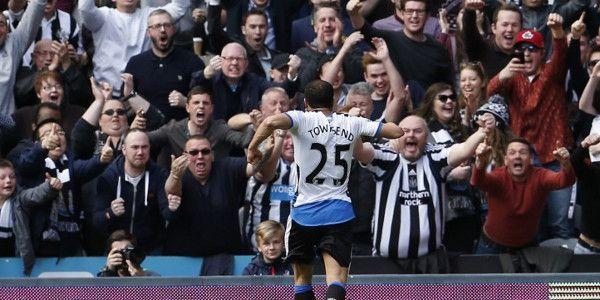 Zinderende degradatiestrijd: Newcastle wint, Sunderland pakt punt in extremis