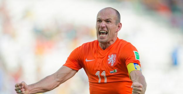 Robben helpt Oranje verder: Sorry, dat was een schwalbe, niets aan de hand