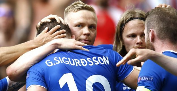 Debutant IJsland verslaat Oostenrijk en staat in achtste finales van het EK