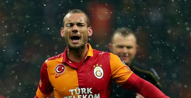 Gitzwarte donderwolk hangt boven financieel geplaagde Turkse competitie