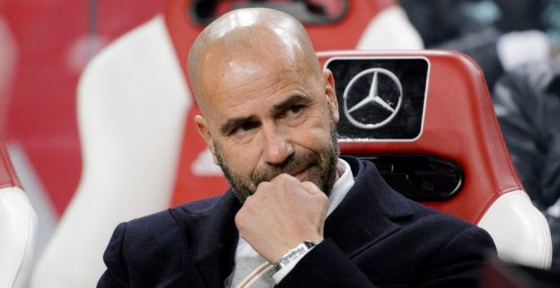 'Bosz gooit helft van swingend Ajax-elftal overhoop voor volle zaal'