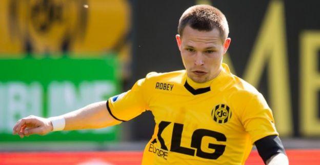 Verdediger Standard blijft jaartje langer in de Nederlandse Eredivisie
