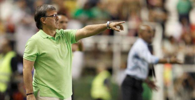 Klagende Barça-coach Martino moet één duel op tribune plaatsnemen
