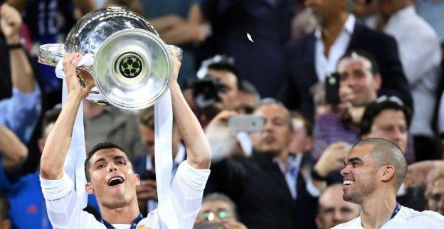 Ronaldo heeft nieuws voor PSG en United: 'Tot ik veertig jaar of ouder ben'