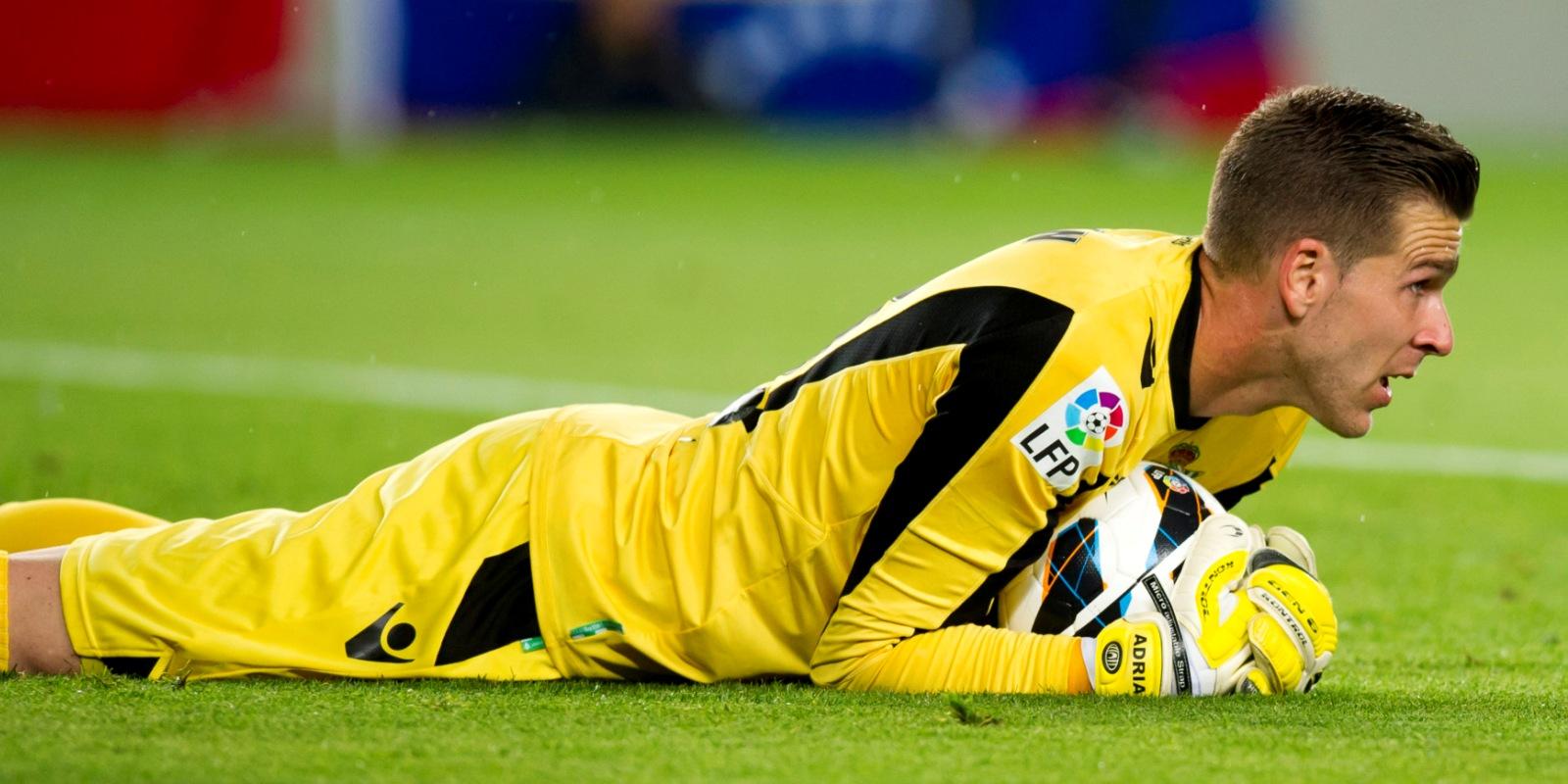 Adrián tekent voor drie seizoenen bij West Ham