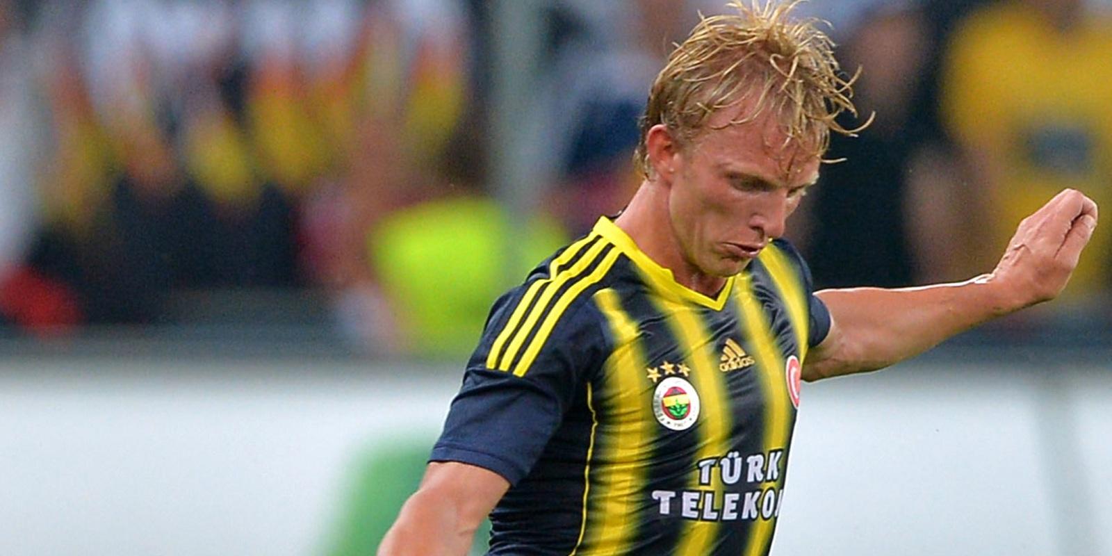 Kuyt boekt late zege met Fenerbahçe